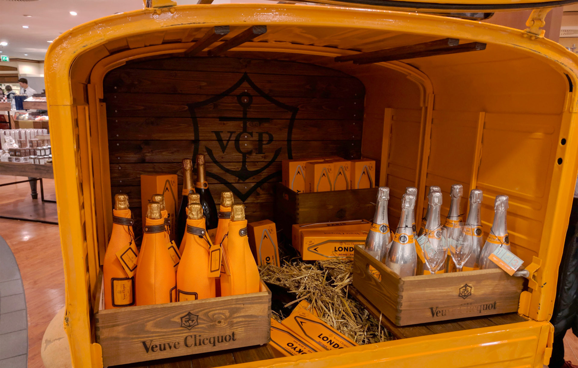 vehicles_Veuve-Clicquot.jpg